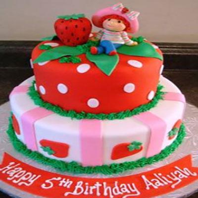 بکارگیری توت فرنگی در کیک مخصوص بچهها