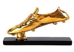 جنگ بر سر کفش طلا